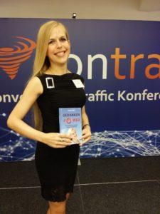 ConTra-Bühne mit Buch